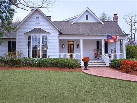 8 Glamorous Homes of Your Favorite Country Stars - Wide