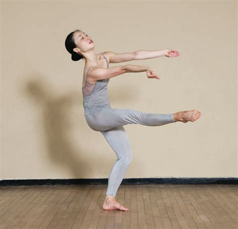 Martha Graham How-To (With images)   Martha graham, Dance