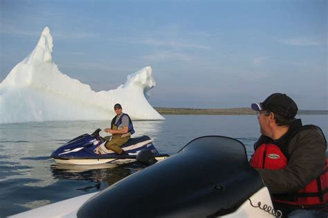 Icebergs Spectaculaires en Basse CoSte - Voyages Coste